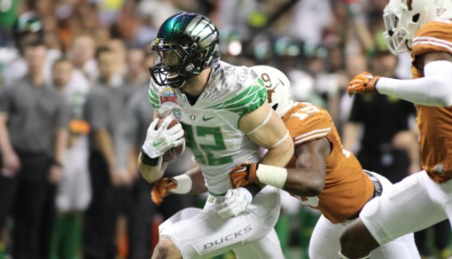 Evan Baylis had a season-long 27 yard reception against the Longhorns last year at the Alamo Bowl