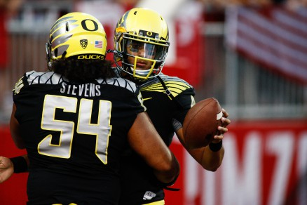 Stevens celebrating with QB Marcus Mariota