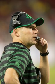 Coach Mark Helfrich seeks his first Pac-12 Championship