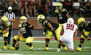 Serving as a vocal leader for the offensive line, Grasu was an integral part in Oregon's offensive blocking schemes.