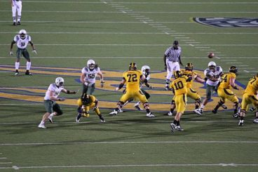 The Cal Bears came within 2 points after choking up Oregon with malingering in 2010.