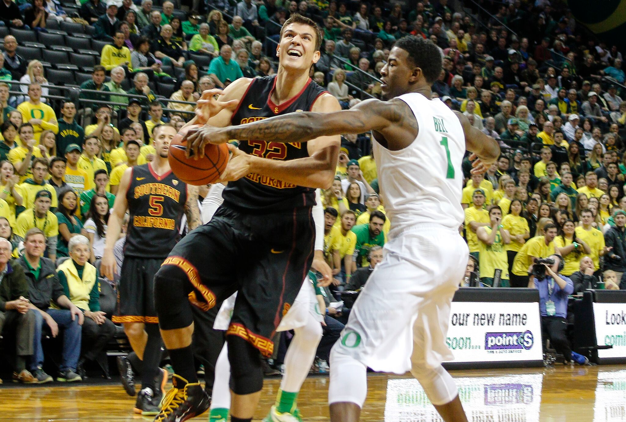 March Madness Resumes With Oregon And Michigan Set For Sweet 16 Showdown
